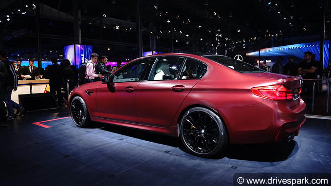 2018 BMW M5 Photos