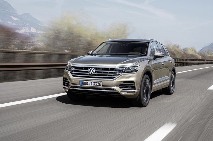 2019 Volkswagen Touareg Photos