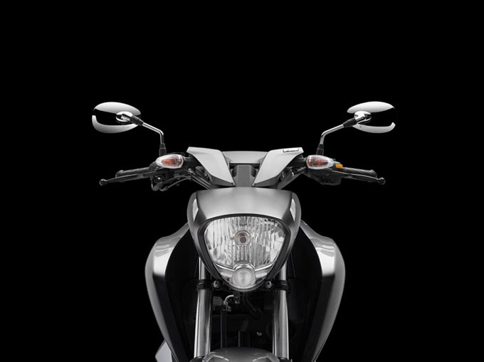 Suzuki Intruder 150 Photos