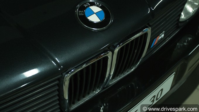 BMW E30 318i Photos