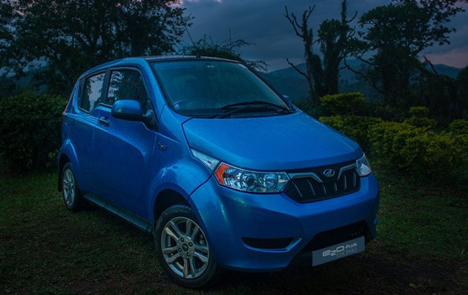 Mahindra e2o Plus Photos