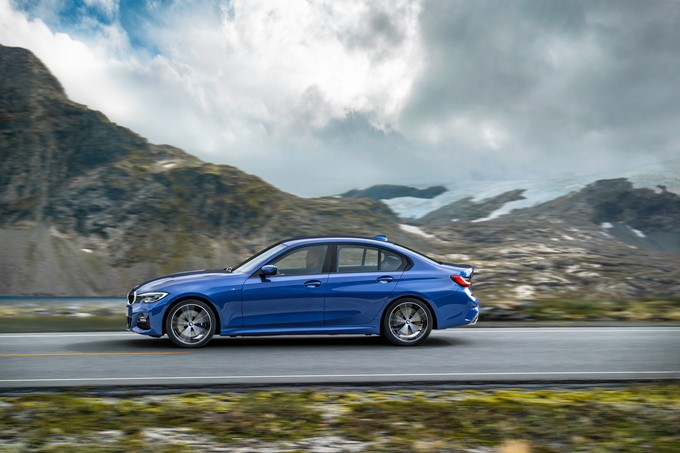 2019 BMW 3 Series Photos