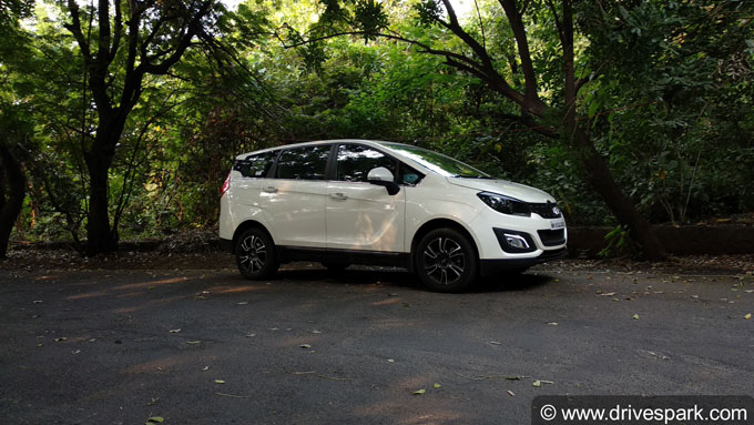 Mahindra Marazzo Photos