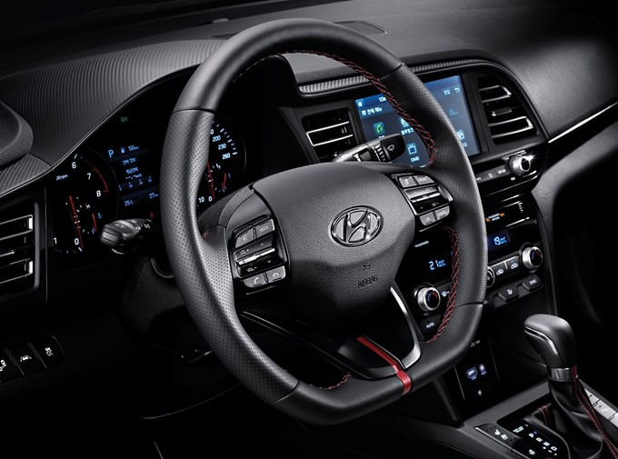 2019 Hyundai Elantra Sports Photos
