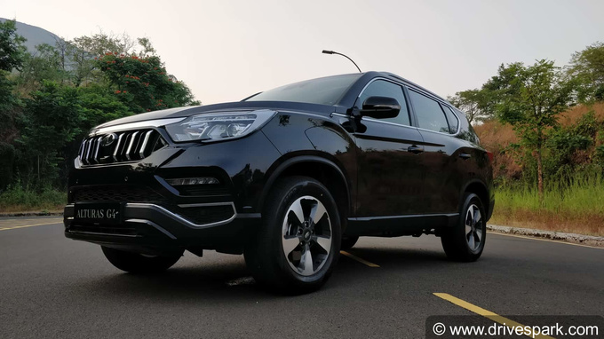 Mahindra Alturas G4 Photos