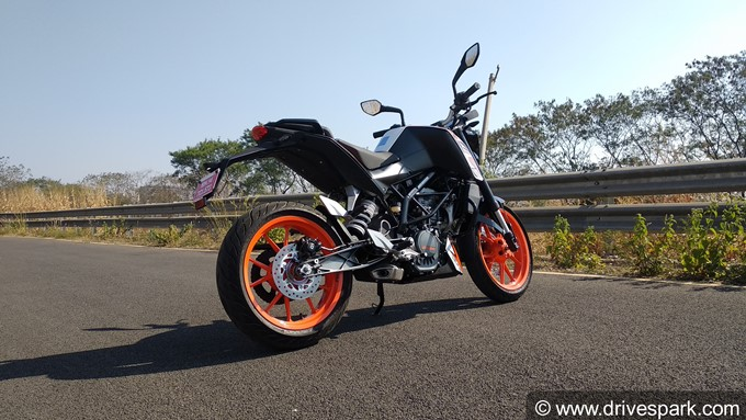 KTM Duke 125 Photos