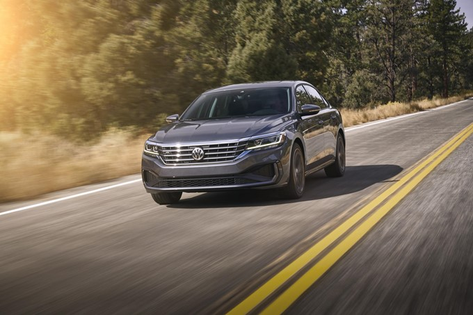 2019 Volkswagen Passat Photos