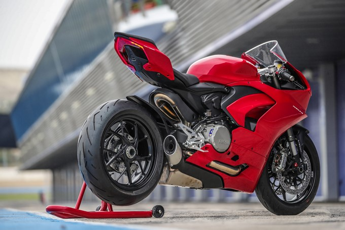 Ducati Panigale V2 Photos