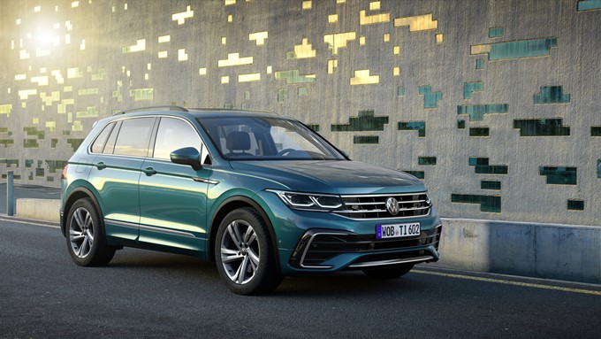 2021 Volkswagen Tiguan R Photos