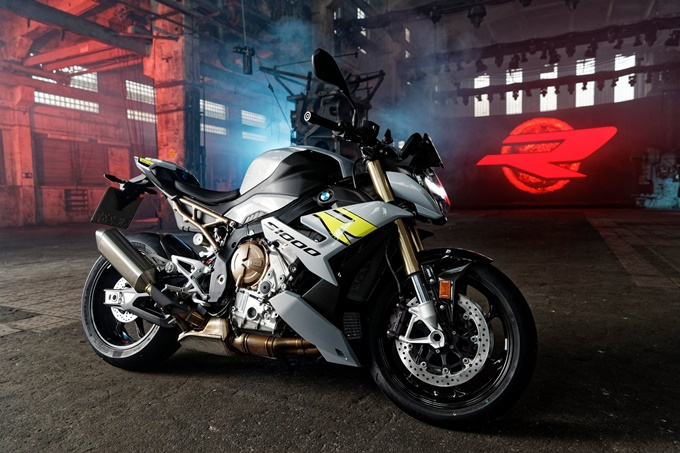 2021 BMW S 1000 R Photos