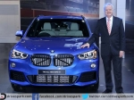 Sachin Helps Launch BMW X1 In India At Auto Expo