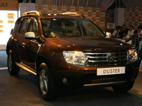 renault duster indian car of the year 2013 ktm duke. Black Bedroom Furniture Sets. Home Design Ideas
