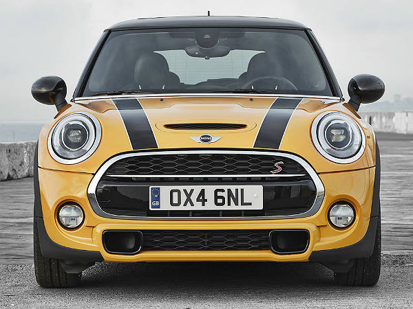2014 mini cooper unveiled images variants specs price features drivespark news. Black Bedroom Furniture Sets. Home Design Ideas