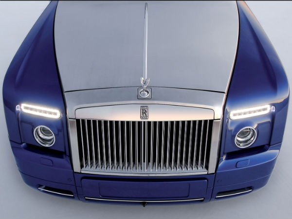 Rolls Royce Wants To Build SUV, But Lacks Space!