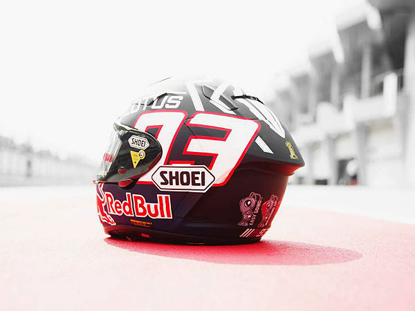marc marquez 2014 helmet by shoei drivespark news. Black Bedroom Furniture Sets. Home Design Ideas