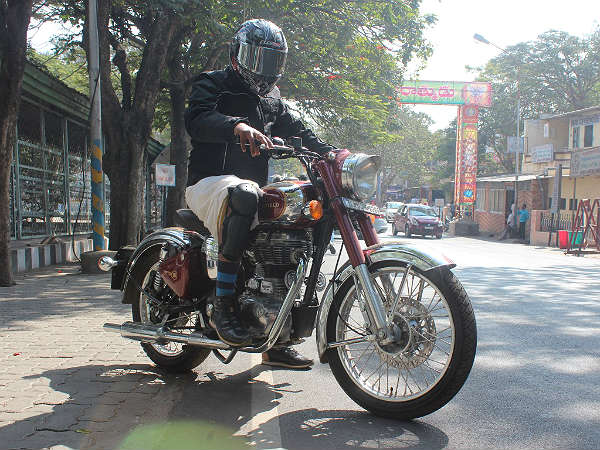 head to cvs motors  ignite your royal enfield passion
