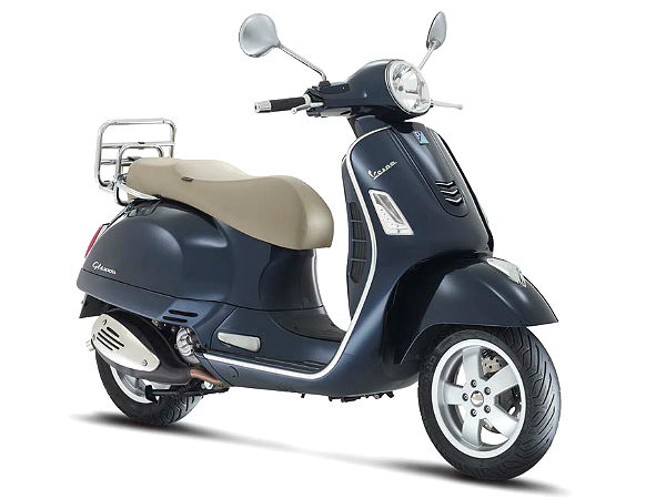 Vespa GTS Gets ABS, Traction Control & Multimedia System
