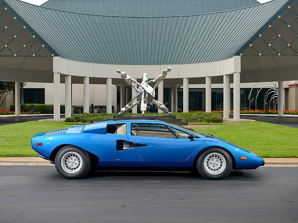 Lamborghini Countach Fetches 1 2 Million At Auction
