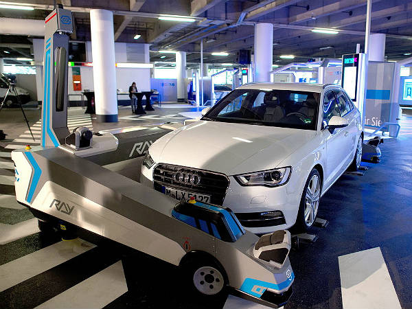 new valet parking robots for germany 39 s dusseldorf airport. Black Bedroom Furniture Sets. Home Design Ideas