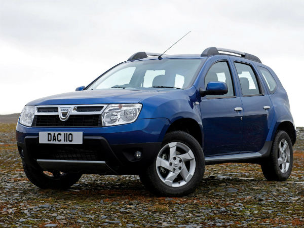 renault india to launch duster 4x4 this september drivespark news. Black Bedroom Furniture Sets. Home Design Ideas