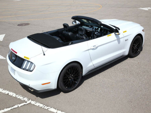 2015 right hand drive ford mustang