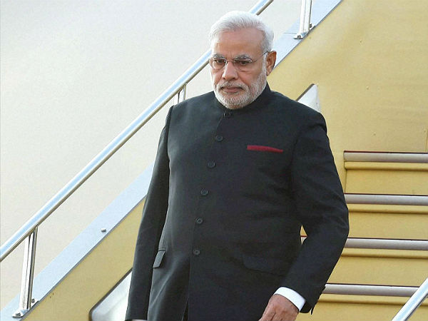 modi wants highways to have more facilities