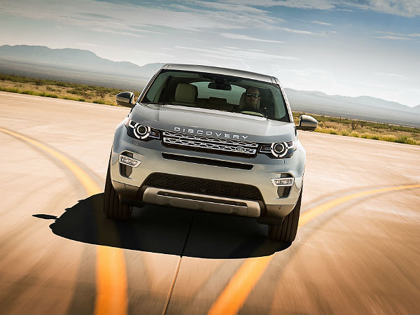 Land Rover Discovery Sport: Front