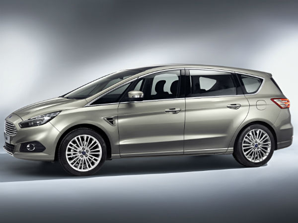 Ford S-Max: Side View