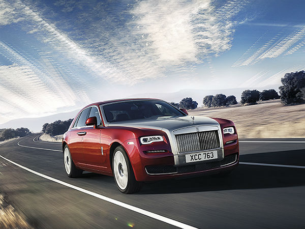 rolls-royce ghost series 2 features