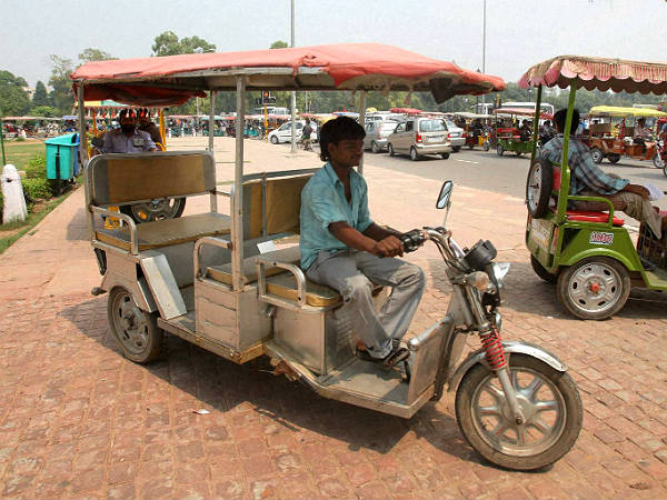 electric rickshaws launched in delhi