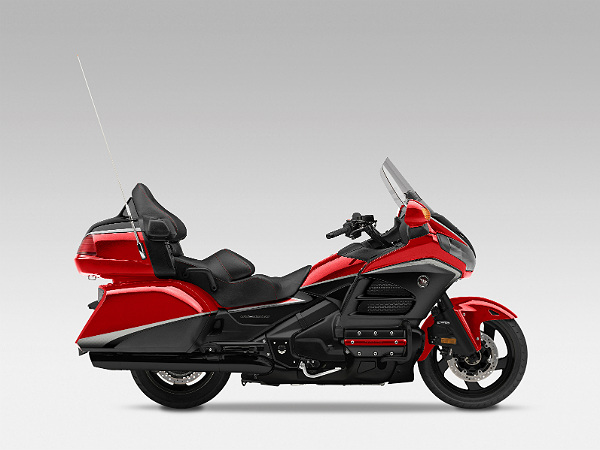 honda goldwing features and specification