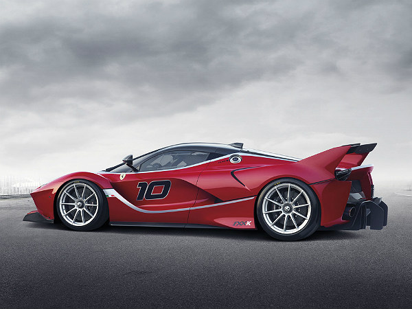 Ferrari FXX K: Competition