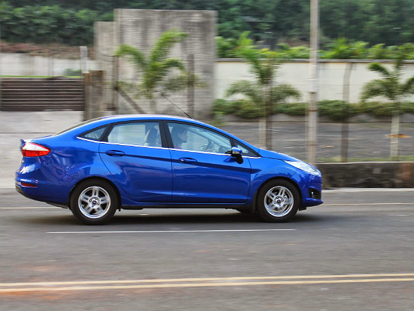 2014 Ford Fiesta Review: Drive & Handling