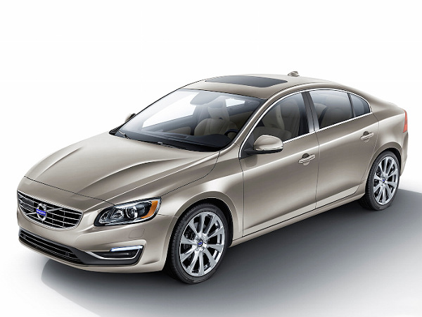 2015 detroit auto show  volvo showcase two new sedans