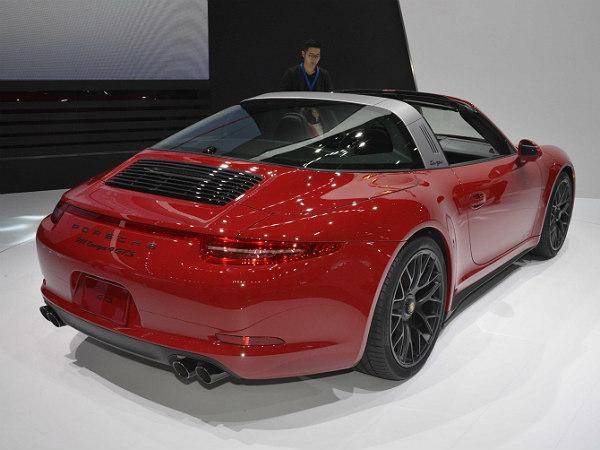2015 detroit auto show porsche 911 targa gts revealed. Black Bedroom Furniture Sets. Home Design Ideas