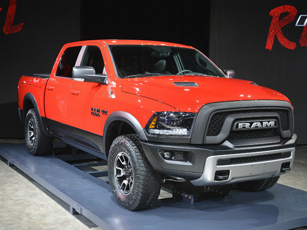 2015 Ram 1500 Towing Capacity >> 2015 Detroit Auto Show: 5 Good Looking Pickup Trucks - DriveSpark News