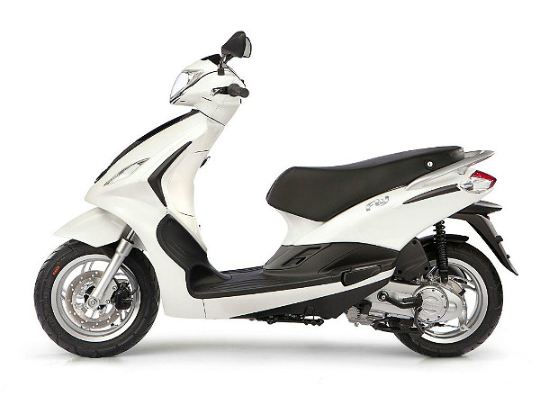 piaggio could introduce the fly 125 scooter in india soon drivespark news. Black Bedroom Furniture Sets. Home Design Ideas