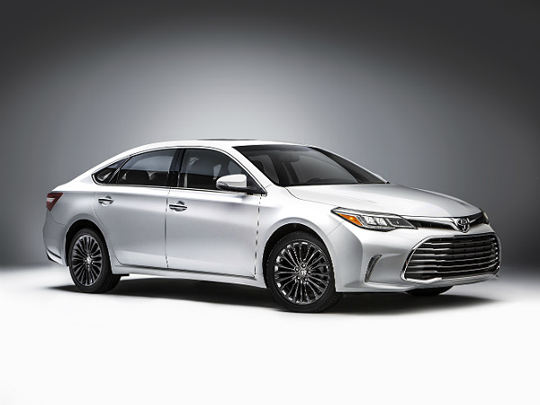 toyota 2016 avalon unveiled at chicago auto show
