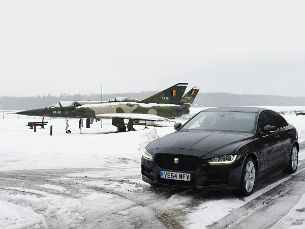 idris elba jaguar drive from london to berlin