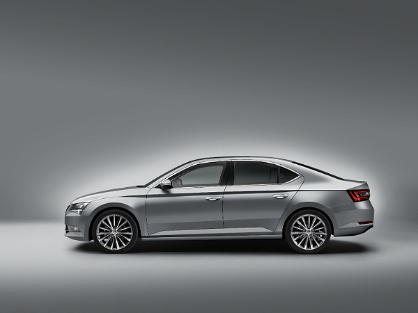 2015 skoda superb feature and specs