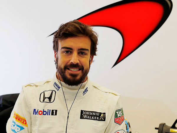 fernando alonso airlifted
