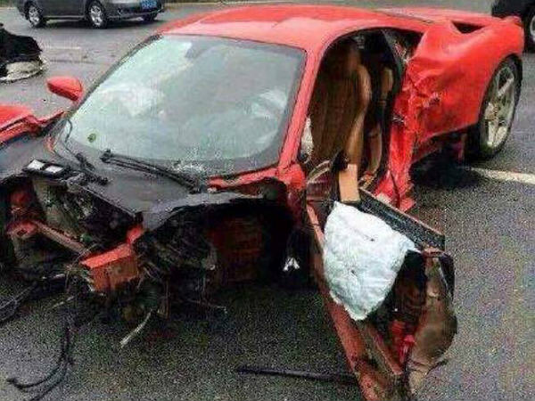 ferrari crash china