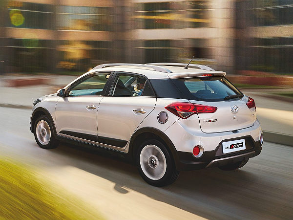 hyundai i20 active launched price specs features more drivespark news. Black Bedroom Furniture Sets. Home Design Ideas