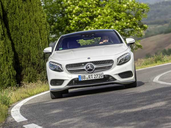3. Mercedes-Benz S-Class Coupe: Going down around the bend