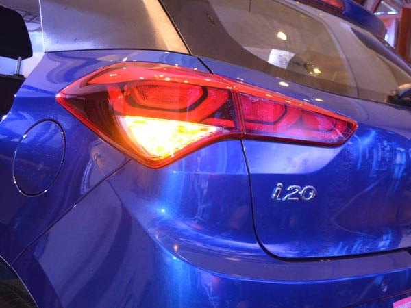 1. Hyundai Elite i20: Break Light Tradition