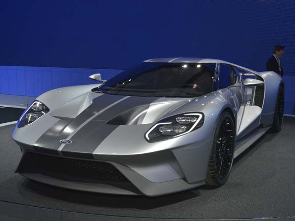 2. Ford GT: