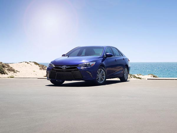 2015 toyota camry india launch
