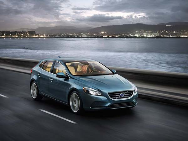 volvo v40 hatchback in india
