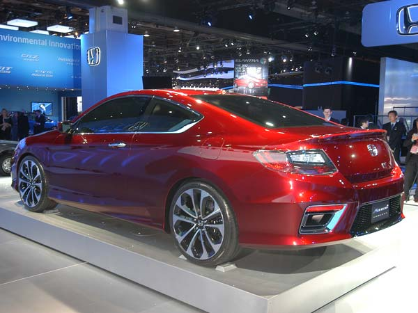 new honda accord to be launched in india by mid 2016 drivespark news. Black Bedroom Furniture Sets. Home Design Ideas