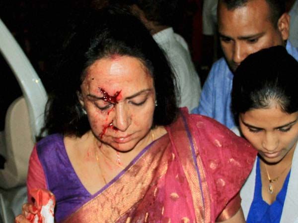 Hema Malini's Mercedes-Benz Involved In An Accident!